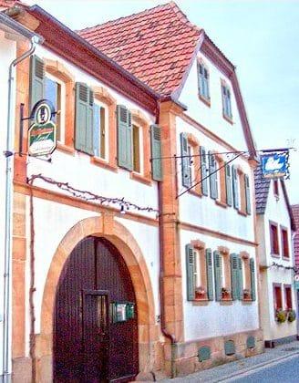 """Weinstube """"Zum Schwanen"""" in Göcklingen in der Pfalz"""