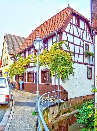 """Weinstube """"Zum Fuchsbau"""" in Klingenmünster in der Pfalz"""
