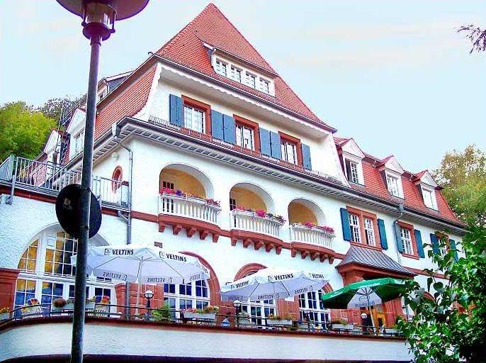 """Seminarhotel, Restaurant """"Kurhaus Trifels"""" in Annweiler in der Pfalz"""