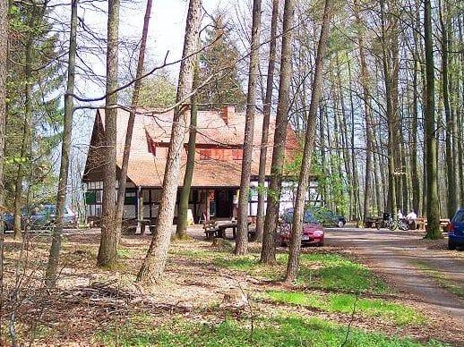 """Waldhütte mit Bewirtung """"Klettererhütte"""" bei Annweiler"""