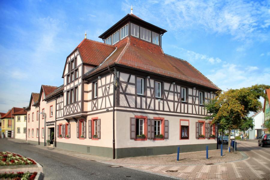 """""""Lamm"""" - Hotel + Restaurant """"Lavendel"""" in Dudenhofen"""