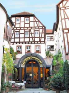 """Hotel***, Restaurant, Weingut, Vinothek """"Consulat des Weins"""" in Sankt Martin in der Pfalz"""