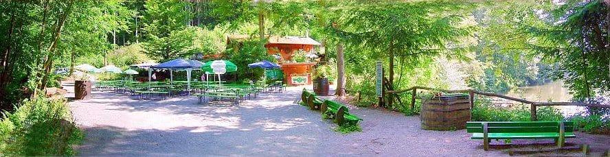 """Waldkiosk, Biergarten """"Hilschweiher"""" bei Edenkoben in der Pfalz"""