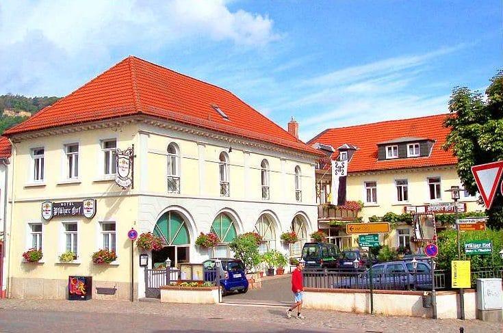 """Hotel, Wein- und Pilsstube """"Pfälzer Hof"""" in Bad Dürkheim in der Pfalz"""