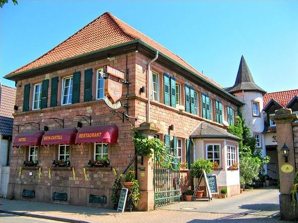 """Restaurant, Hotel*** """"Wein-Castell"""" in Edesheim in der Pfalz"""