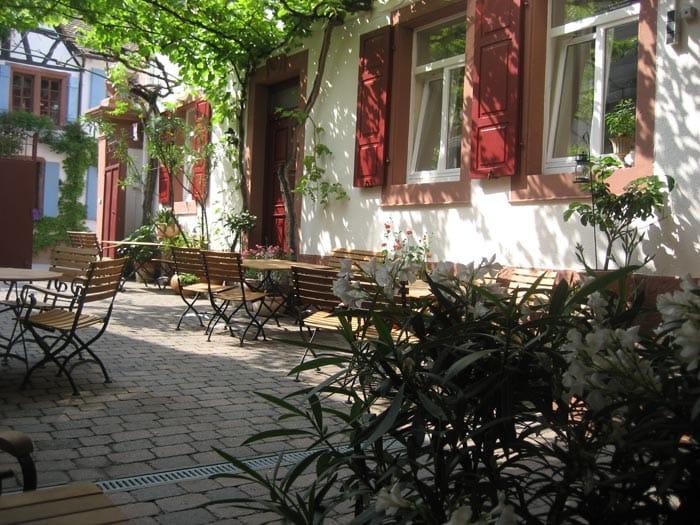 """Restaurant und Hotel """"Rhodter Adler"""" in Rhodt in der Pfalz"""