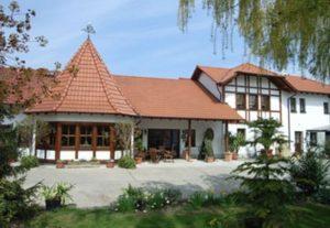 """Cafe & Weingut """"Schlipp-Rohrbach"""" in Herxheim am Berg"""