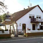 """Ausflugslokal, Landgasthof """"Zum Waldhaus"""" in Hochstadt in der Pfalz"""