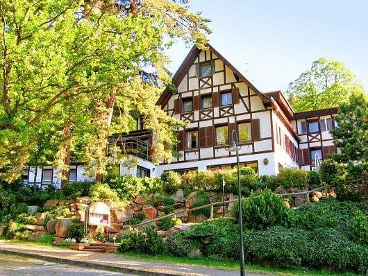 """Hotel***, Restaurant """"Waldhaus Wilhelm"""" in Maikammer in der Pfalz"""