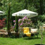 """Der Garten der Waldgaststätte, Pension """"Alte Schmelz"""" in Bad Dürkheim - Hardenburg - Pfalz"""