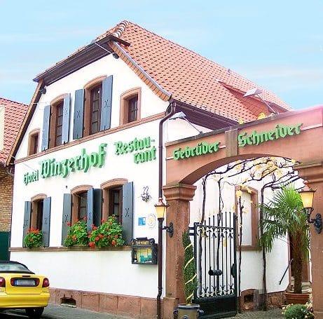 """Weingut, Hotel, Restaurant """"Becker's Wein und Sekthaus - Winzerhof"""" in Sankt Martin"""