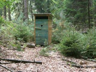 Klohäuschen im Pfälzerwald