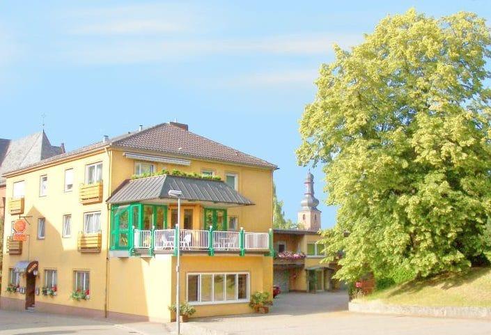 """Hotel, Restaurant """"Zur Linde"""" in Bad Bergzabern in der Pfalz"""