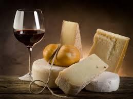 Käseplatte zum Wein