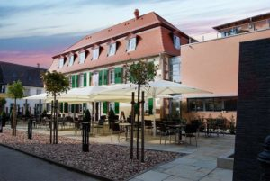 Schlosshotel Bergzaberner Hof mit Becks Brasserie in Bad Bergzabern in der Pfalz