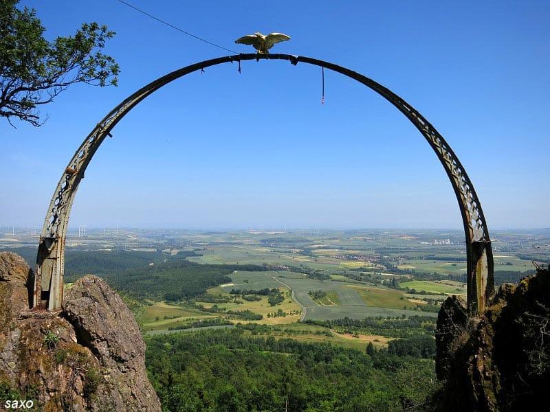"""Der """"Adlerbogen"""" - nur 800 Meter entfernt vom Restaurant """"Landgasthof Pfalzblick"""" in Dannenfels am Donnersberg"""