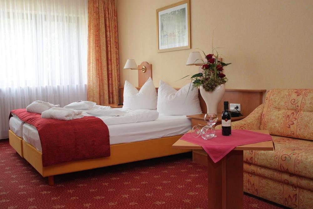"""Zimmerbeispiel - Hotel, Restaurant """"Kleine Blume"""" in Erfweiler"""
