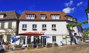 """Café, Bäckerei, Konditorei """"Eyer"""" in Rhodt unter Rietburg in der Pfalz"""