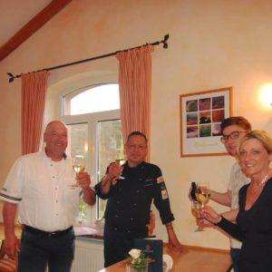 Forsthaus Heldenstein - Ihre Gastgeber: Familie Fruth & Team