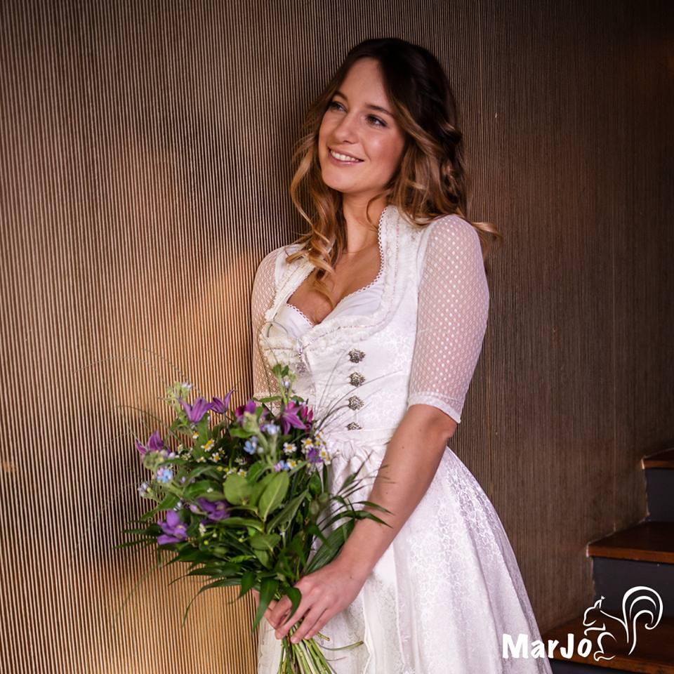 Hochzeitsdirndl von Herzel in Pleisweiler Oberhofen