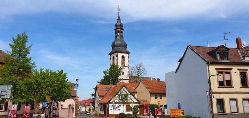 Die Andreaskirche in Kirchheim an der Weinstraße