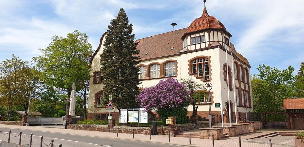Schulhaus in Kirchheim an der Weinstraße