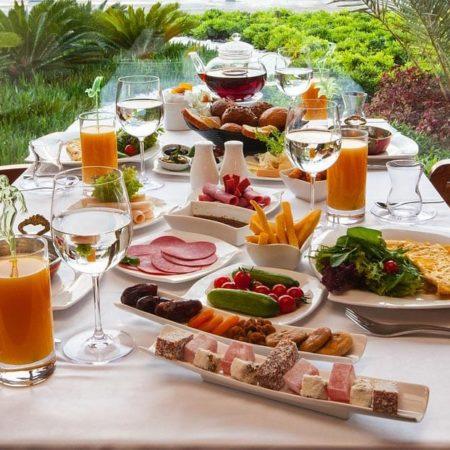 Frühstücken oder Brunchen im Café oder in einer Brasserie in der Westpfalz