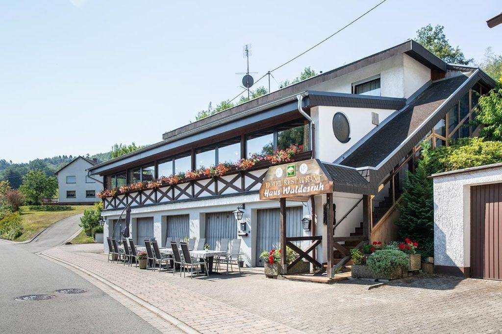 """Hotel, Restaurant """"Haus Waldesruh"""" in Eppenbrunn in der Pfalz"""