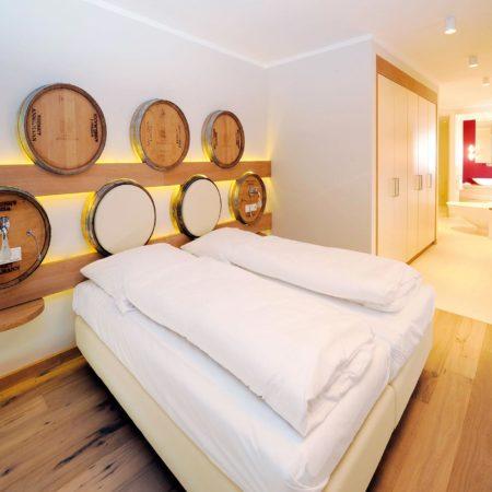 Die Suite In Vino Veritas des Wohlfühlhotels Alte Rebschule in Rhodt unter Rietburg in der Pfalz